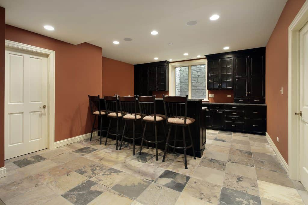 basement construction contractor in colorado springs